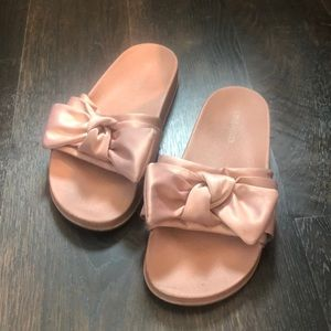 Girls Steve Madden Bow slides